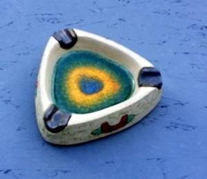 Ceramic triangle ashtray